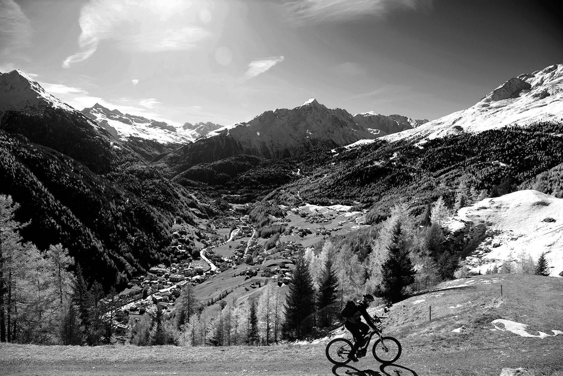 Verso la coppa del mondo di sci in sella a una e-mountainbike